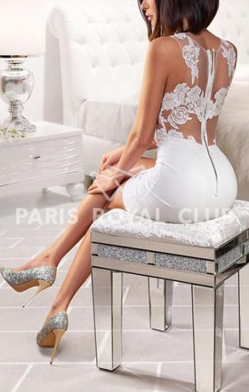 Elegant Paris escort Diana, luxury Parisian model date
